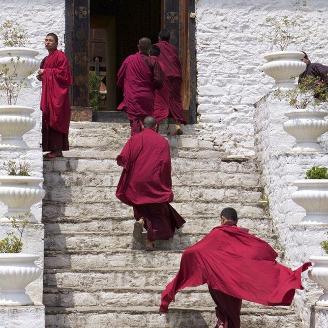 Bhoutan, monastère, moines